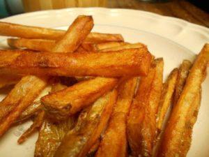 Как пожарить картошку на сковороде