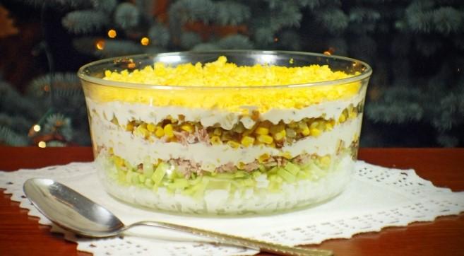 Салат с тунцом и яйцами на праздничный стол