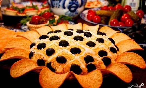Салат Подсолнух - праздничный и вкусный